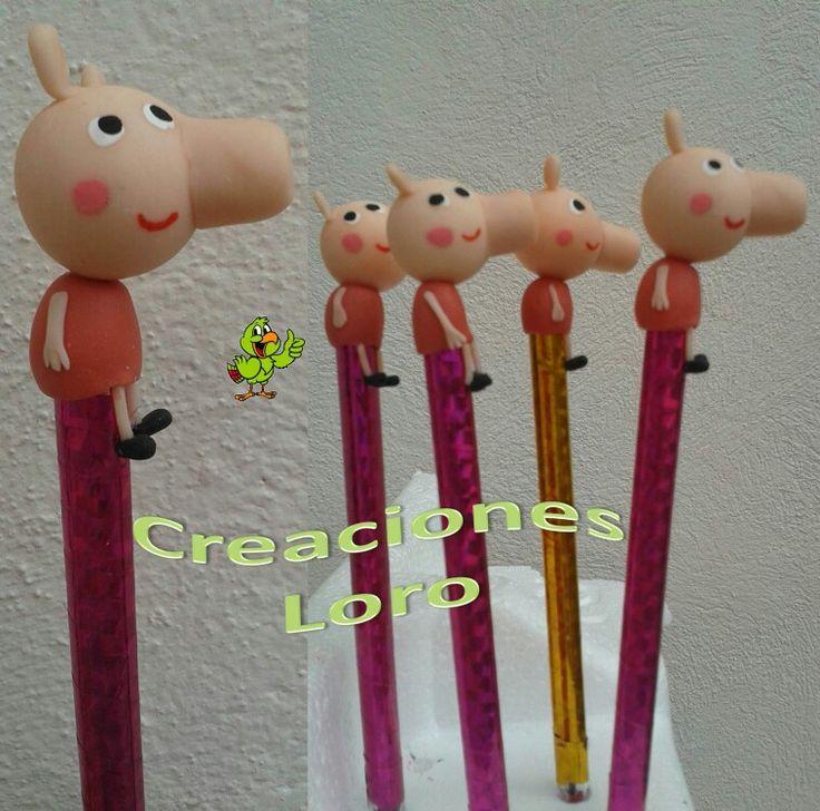 "Plumas de Peppa en pasta francesa. Peppas pen in polymer clay. Síguenos como ""Creaciones Loro"""