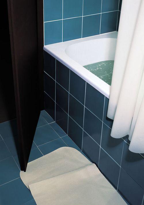 "myeyesareshutandclosed: Thomas Demand ""Bathroom"" 1997"