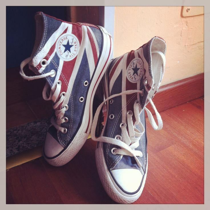 """British Style.  """"God save the Queen""""... And Converse. brand: Converse All Star"""