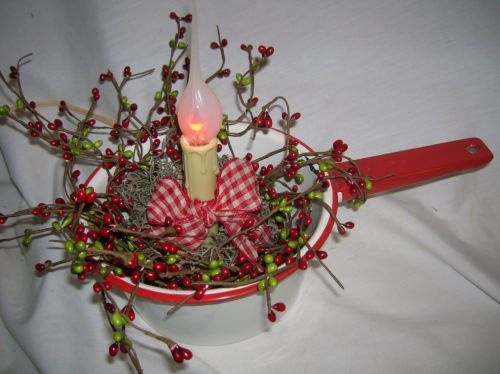 Red gingham & pip berries electric candle