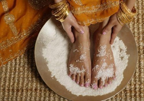 Скраб для ног с солью. | Макияж лица