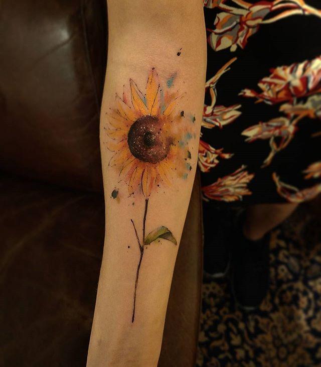 #girassol #flower #byzanotto #atelier #victormontaghinitattoo #art…