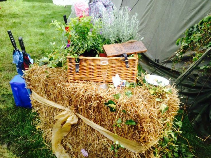 wedding decor straw bales hay bales wicker basket flowers