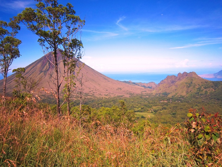 mt. Inerie, Flores, Nusa Tenggara Timur, Indonesia