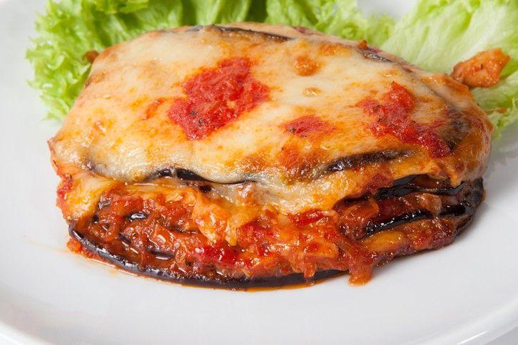 Le melanzane alla pizzaiola filanti sono una variante della classica parmigiana ancora più gustosa e filante. Ecco la ricetta