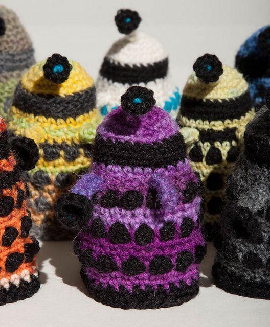 Daleks! by Lady Selena, via Flickr Amigurumi (Crochet) Pinterest Awesom...
