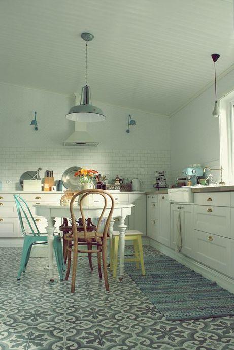 Baldosas hidráulicas o mosaico para la cocina