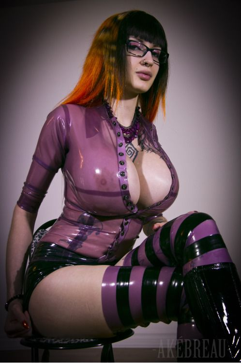 Latex Destruction By Ariane Saint Amour Eurobabeindex 1
