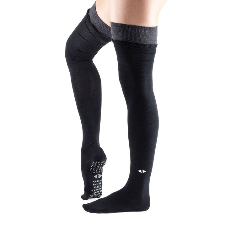 Tavi Noir's stellar grip sock pattern safely moves you through your barre, Pilates, and yoga classes.