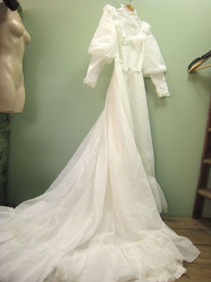 Details about 8 Vintage wedding dress ivory 1970 puddle