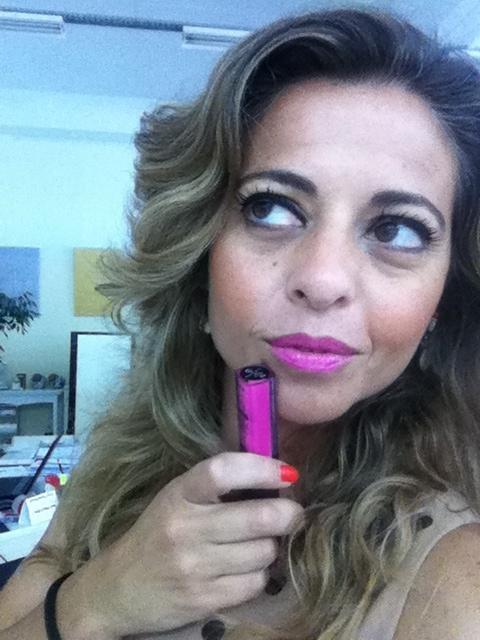Gloss do Dia :), Rosa bem cremoso e vistoso, para dar alguma cor ao meu look das bolinhas :)  da Bell Cosmetics