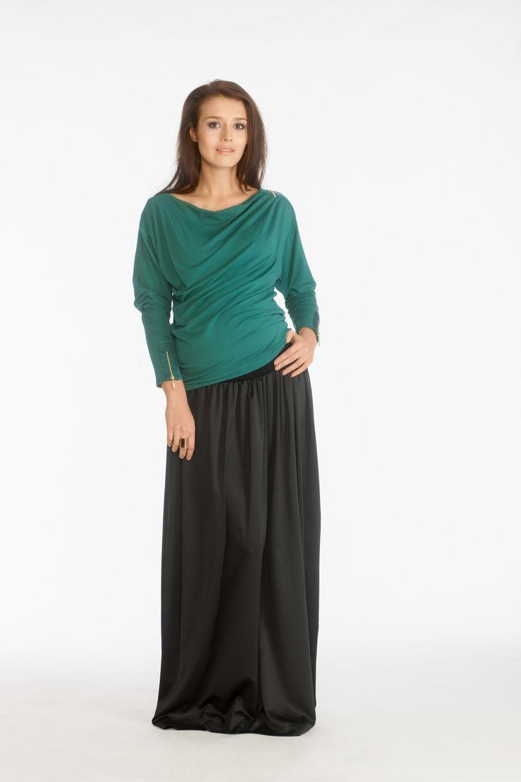 Conni blouse malachite and Orina skirt black