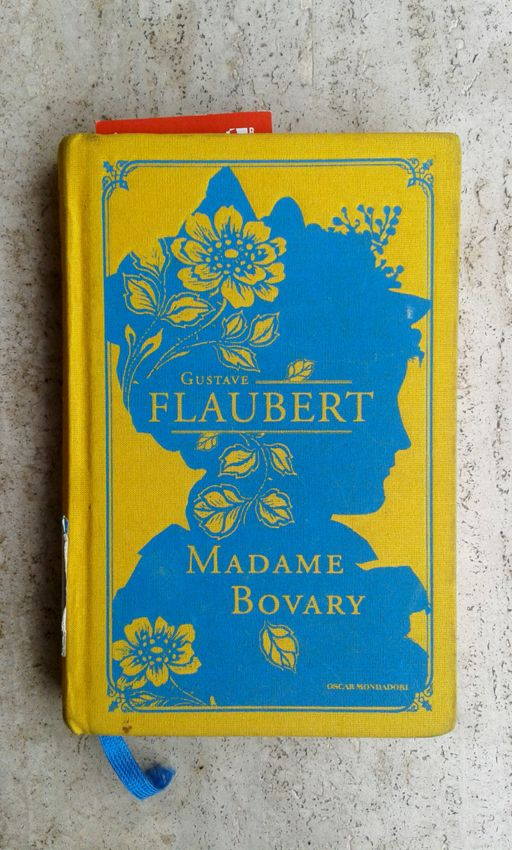 Madame Bovery Mondadori Classic book cover design, color, negative space Dec 29 2013