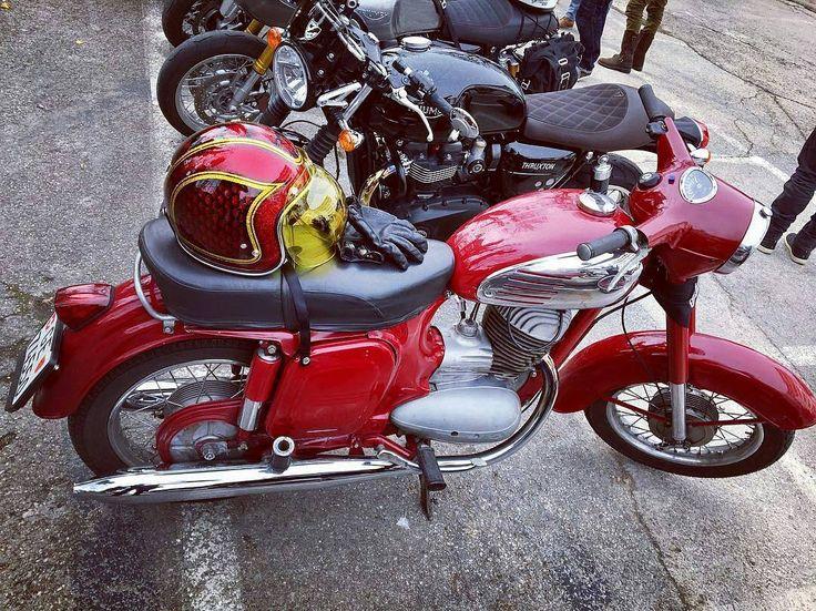 Jawa 250  Photo courtesy of @coco_bony  More photos on - http://ift.tt/1MOOLiU   #jawa   #jawamotorcycles.com   #idealjawa  #2stroke   #chrome   #biker   #motorcycles   #JawaCZ   #imtheindianbiker   #yezdi   #yjoci   #retro   #vintage   #vintagestyle  #india   #caferacer   #instamotogallery   #save2stroke   #oldtimer   #oldtimes   #czmotorcycles  #vintagemotorcycle   #goodolddays   #romantic   #nostalgia  #oldmachine   #goodmood   #classicmotorcycle 