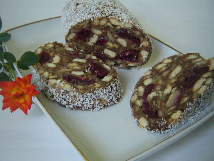 Meggyes kókuszos keksz szalámi – a kedvenc édességünk, mámorító finomság!!