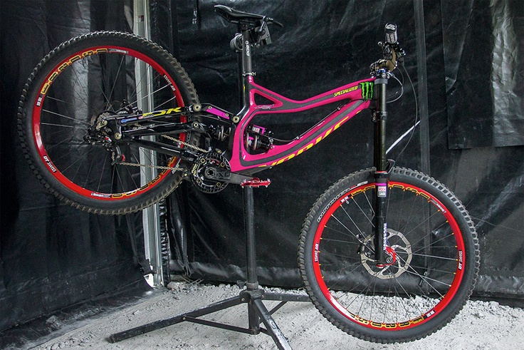 Sam Hill's 2013 Custom PINK Specialized carbon Demo