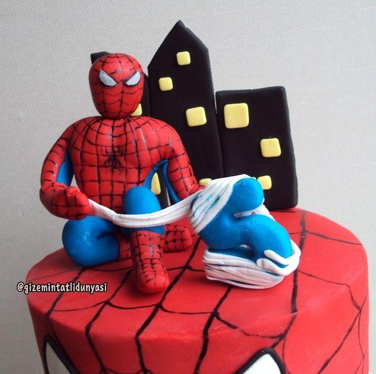 """138 Beğenme, 2 Yorum - Instagram'da Butik Pasta / Kurabiye🍪🍰 (@gizemintatlidunyasi): """"Rüzgar 5 Yaşında🐞#fondantspiderman #spiderman #spidermancake #spidermanpasta #marvel #marvelcake"""""""