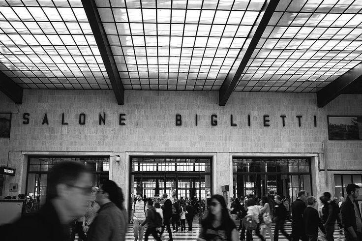 Random @gudova  #igers #igersfirenze #igersitalia #igerstoscana #firenze #florence #creativepeople #red #urban #industry #industrial #grey #street #picoftheday #people #man #style #watch #pinocchio