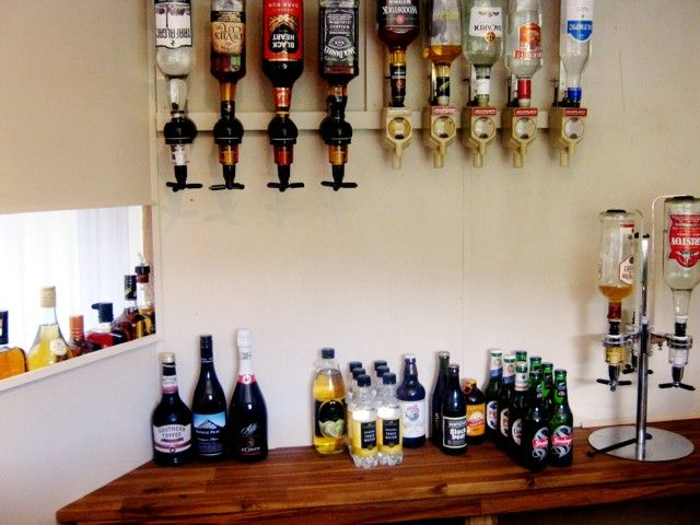 http://www.wackywoodworks.co.nz/outdoor_bar8.php