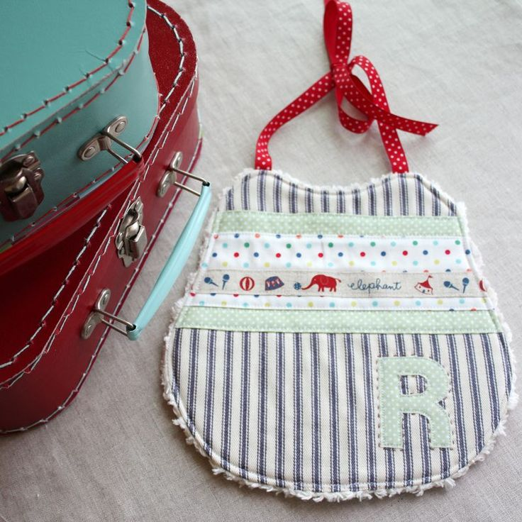 Gorgeous bibs! Great blog with fabulous ways to use scraps!: Gorgeous Bibs, Babies, Ticking Baby, Blue Ticking, Baby Bibs, Babeiros Bibs, Bib, Baby Gift