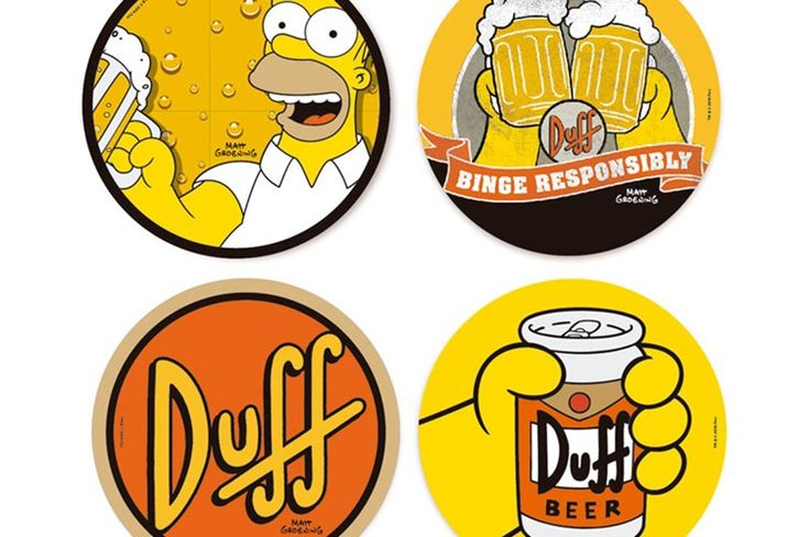 Os porta-copos vêm com 4 estampas, todas lembrando a cerveja do churrasco | Divulgação Big Center Festas