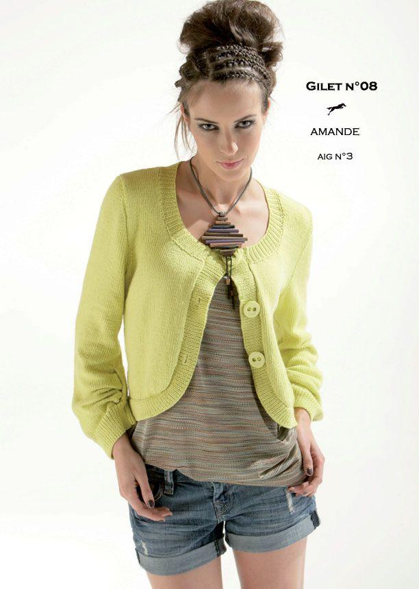 Laines Cheval Blanc Modèle de tricot - Gilet femme - Catalogue Cheval Blanc n°12 - Laine utilisée : AMANDE