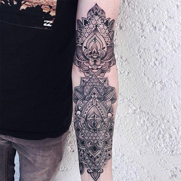 #tattoofriday - JESSICA KINZER, Alemanha.                                                                                                                                                                                 Mais