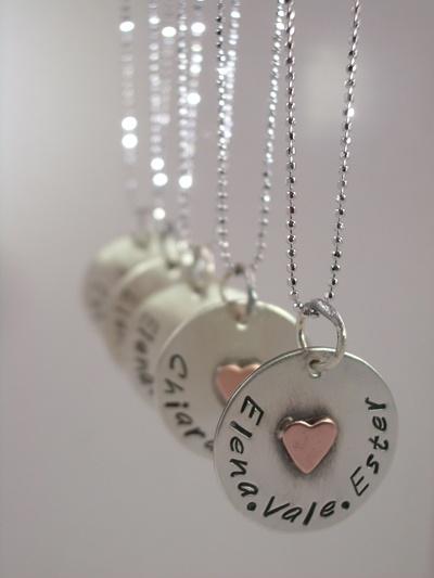 Collana con ciondolo in argento e cuoricino in rame ♥amiche ♥sorelle