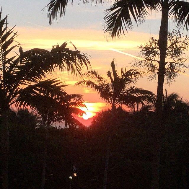 Bello amanecer mientras despierto aquí en Miami