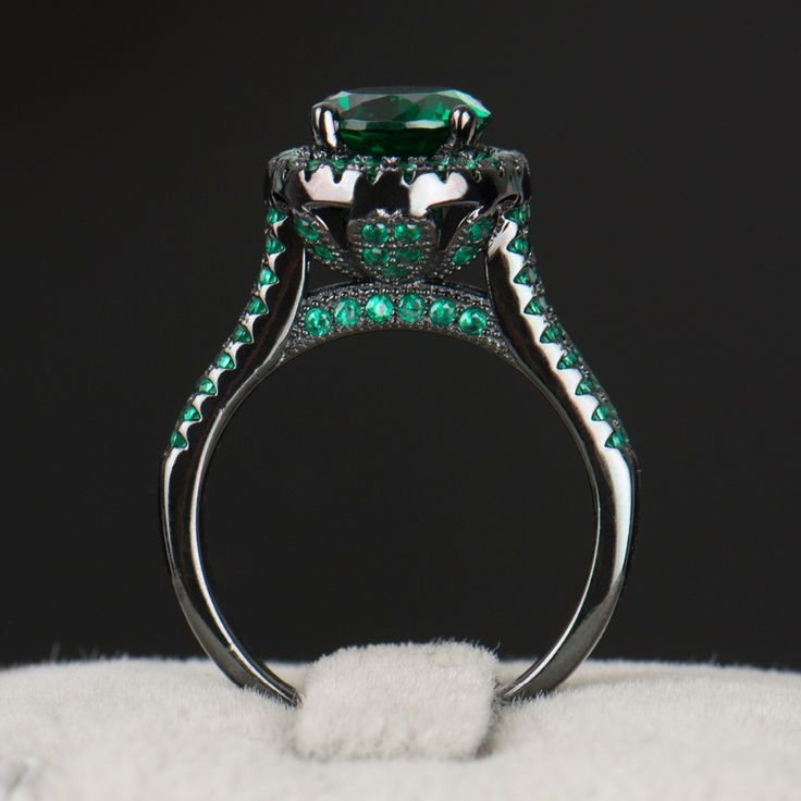 R&J 2016 Hight Quality 14KT Black Gold Filled Ring Wedding fashion Black Jewelry Green 5A Zircon Crystal rings For Women Gift