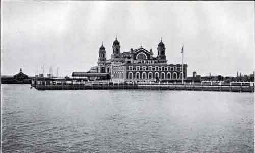 ellis island | Le site d'Ellis Island en 1892.
