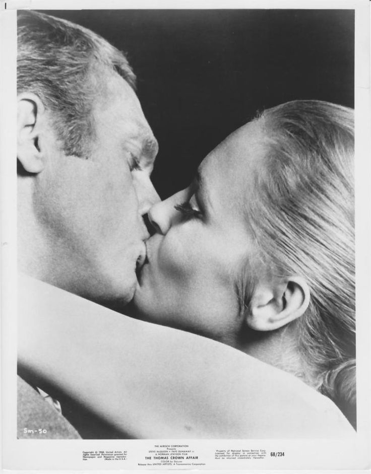 Steve McQueen and Faye Dunaway in a publicity still for 'The Thomas Crown Affair', 1968.