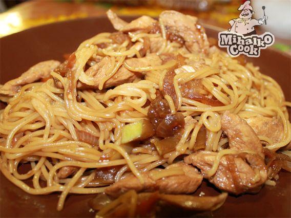 Курица в соевом соусе с кабачками