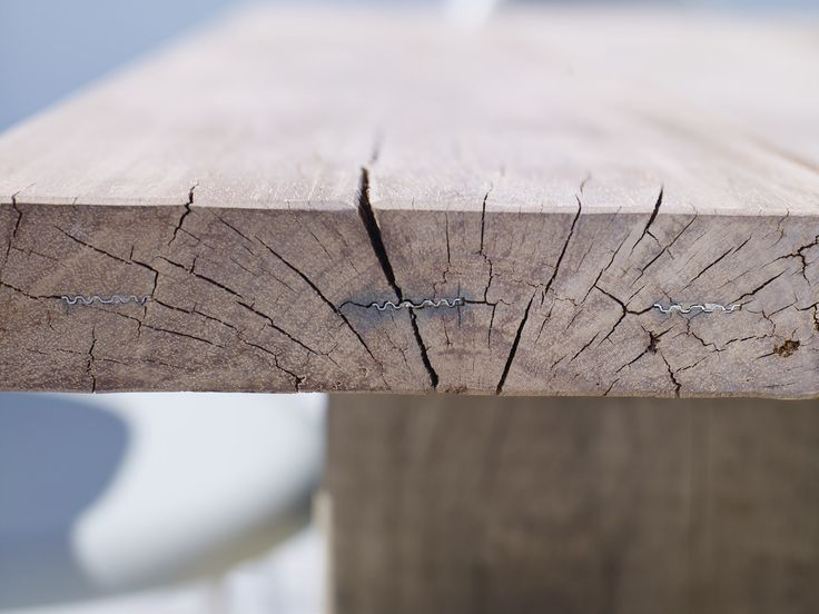 Rustic details on a THORS Gaia table #reclaimedwood #upcycling #reclaimedwoodtable