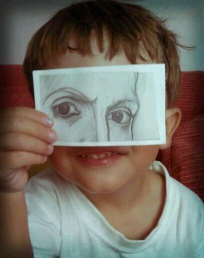 Con otros ojos by La Gallina Pintadita, via Flickr // los ojos son de una obra de Picasso. Preciosa foto.