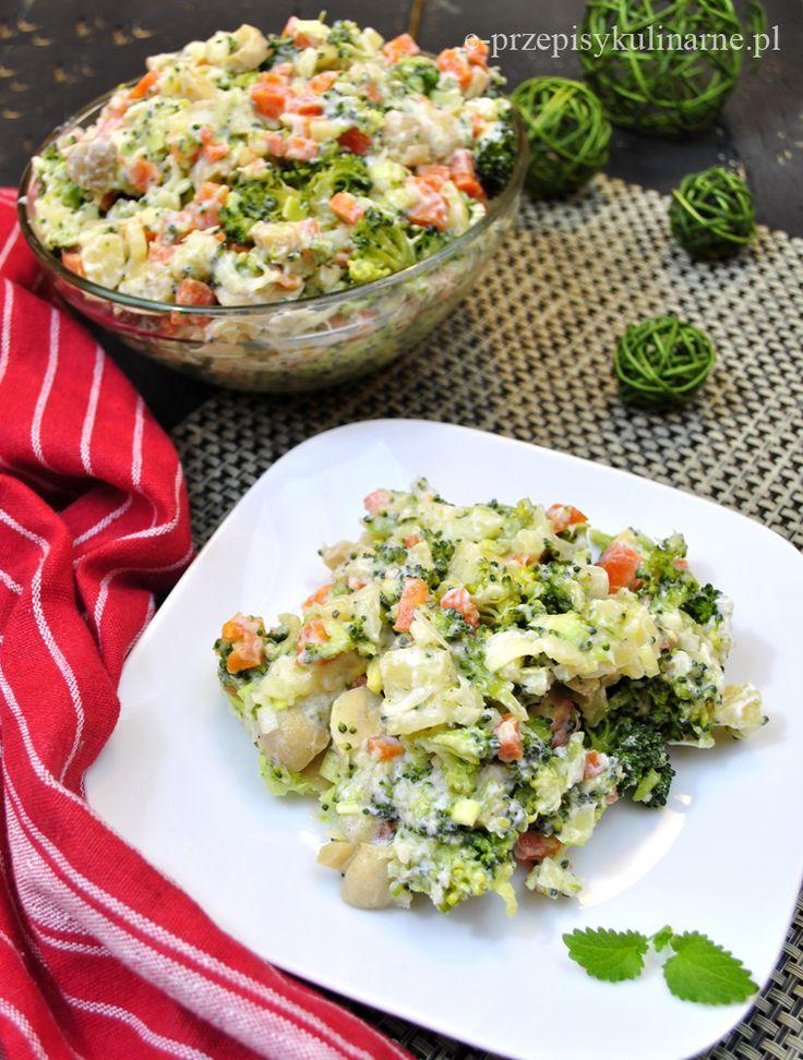 Lekka sałatka z ziemniakami i brokułem | Przepisy Kulinarne