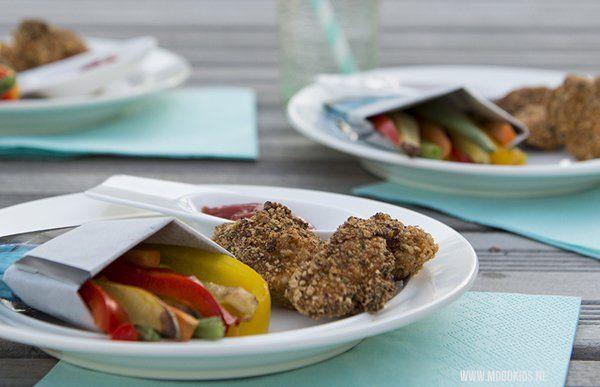 Zelfgemaakte kipnuggets met regenboog friet - MoodKids | Moodkids