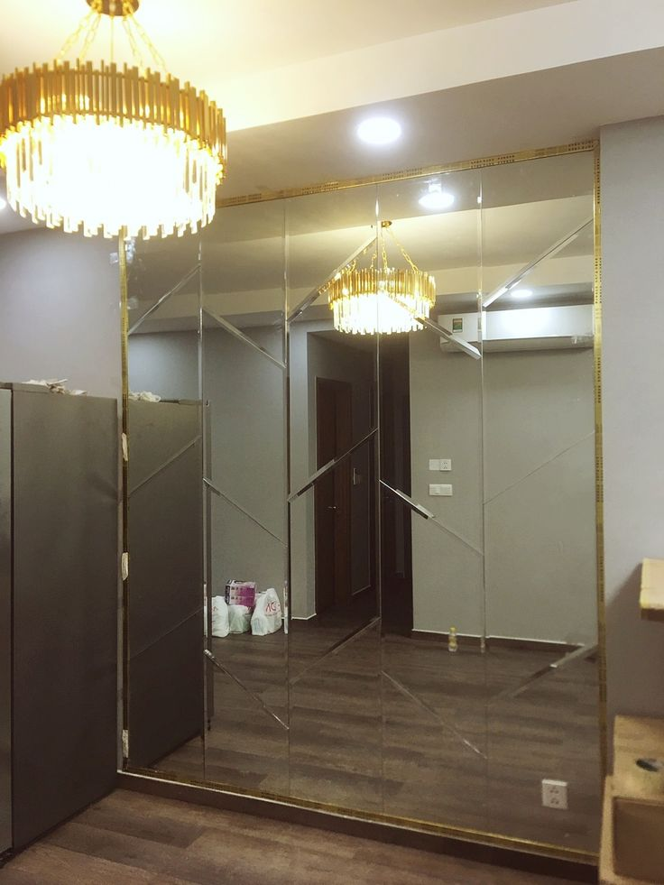 Photo of Decorative mirror of dining room