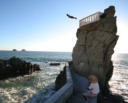 Mazatlan cliff divers mazatlan mexico vacation pinterest cliff diving jumpers and america - Highest cliff dive ...