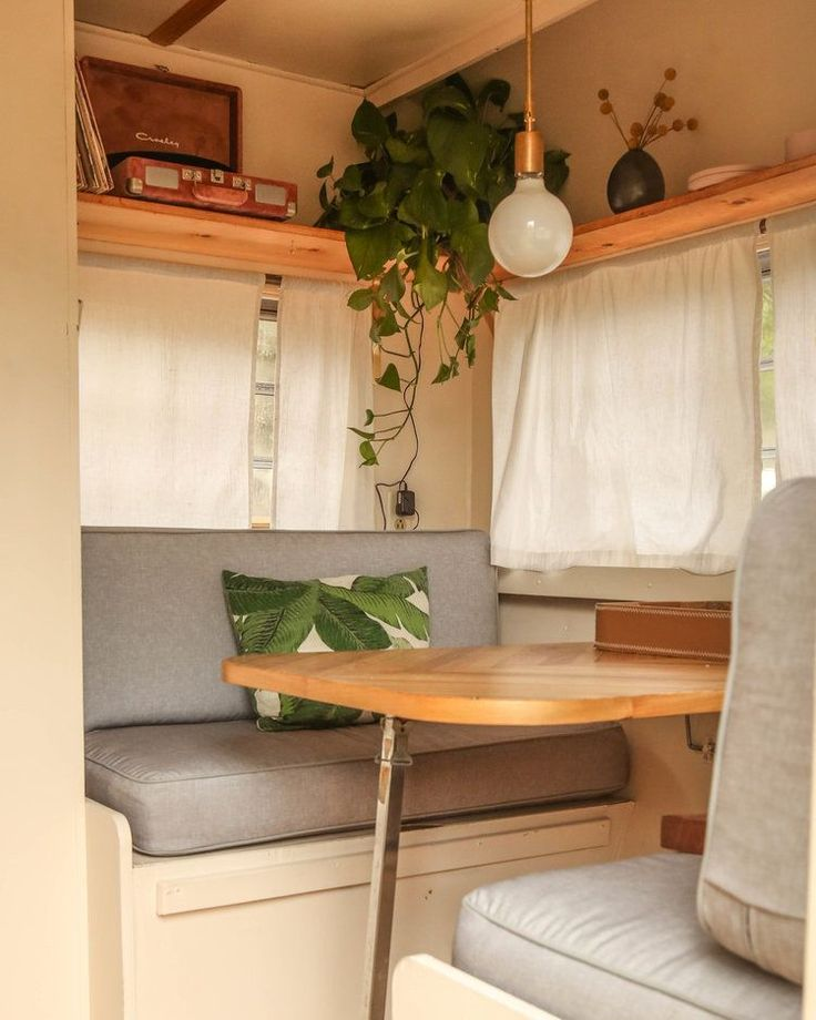 25 Awesome Vintage Campers Interior