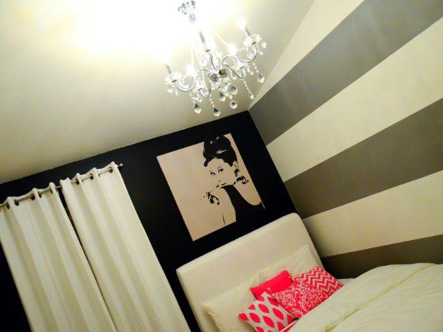 Teen bedroom-- LOVE the Audrey Hepburn picture!