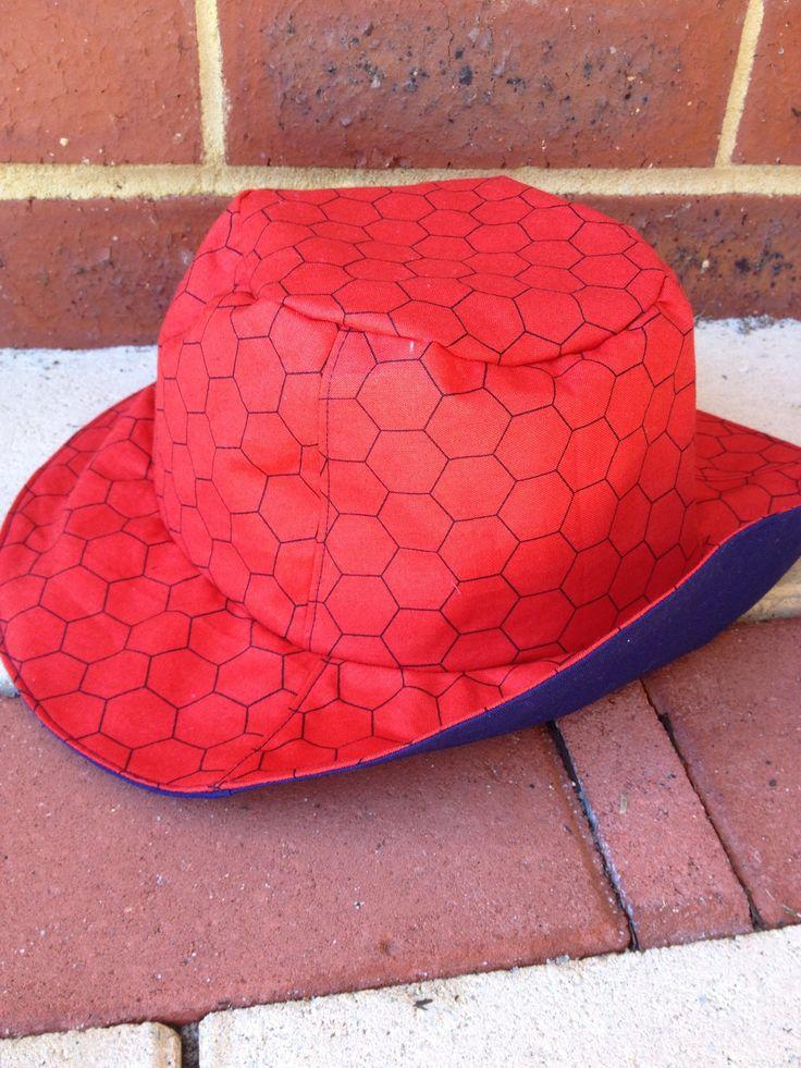 Reversible sun hat, Spider-Man x