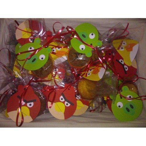 Trakteerideetje: Angry Birds aan een zakje met cakeje !! http://www.hipperdepip.com/verjaardag_traktatie/verjaardag_traktatie_stoerejongens/angrybird_traktatie
