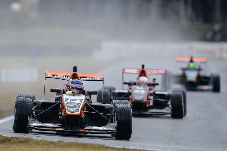 Habsburg Ferdinánd a szezonnyitót követően vezeti a Toyota Racing Series bajnokságot