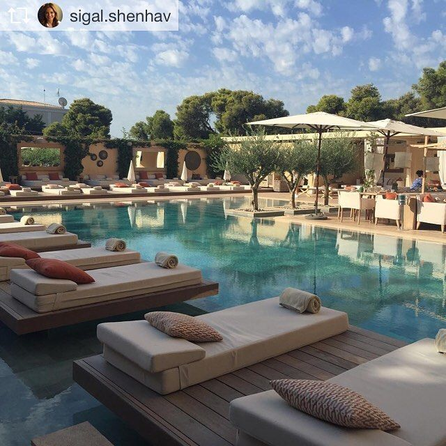 Summer is still here! #October #margipool #athensriviera #Vouliagmeni #themargihotel  Repost from @sigal.shenhav At the The Margi #hollidays #pool #trendy