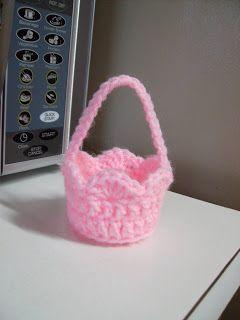 Crochet It: Free Mini Basket Crochet Pattern