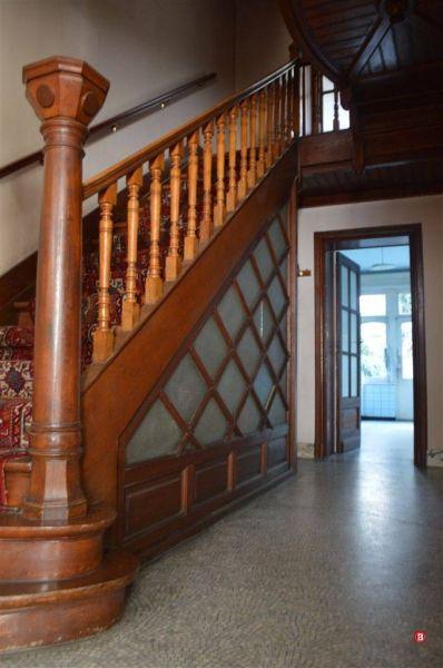 Huis te koop in Schaarbeek - 342m² - 645 000 € - Logic-immo.be - Emile Maxlaan, prachtig herenhuis met tuin van 1913 op een oppervlakte van +/-342m ² : hal (+ /-20m ²), living (+ /-50m ²) , keuken, apart toilet. 6 slaapkamers (+ /-13m ²-19m ² - 19m ² - 19.5m ² - 19...