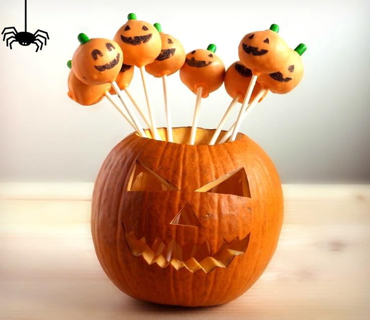 Halloween Cake Pops  http://ifeelcook.es/halloween-cake-pops/