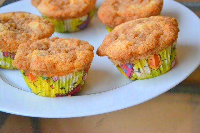 Passion Fruit Cupcakes with Coconut Crumble (Cupcakes de Maracujá com Crumble de Coco)
