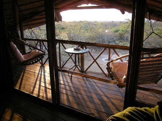 Pezulu Tree House Game Lodge: Relaxing view